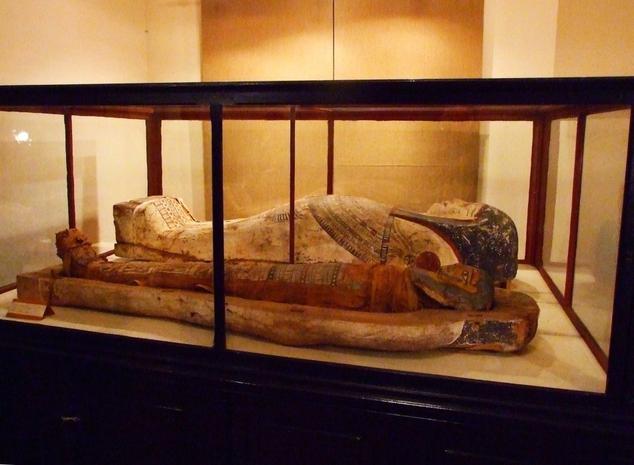 Sarcofag cu mumie veche de peste 2000 de ani