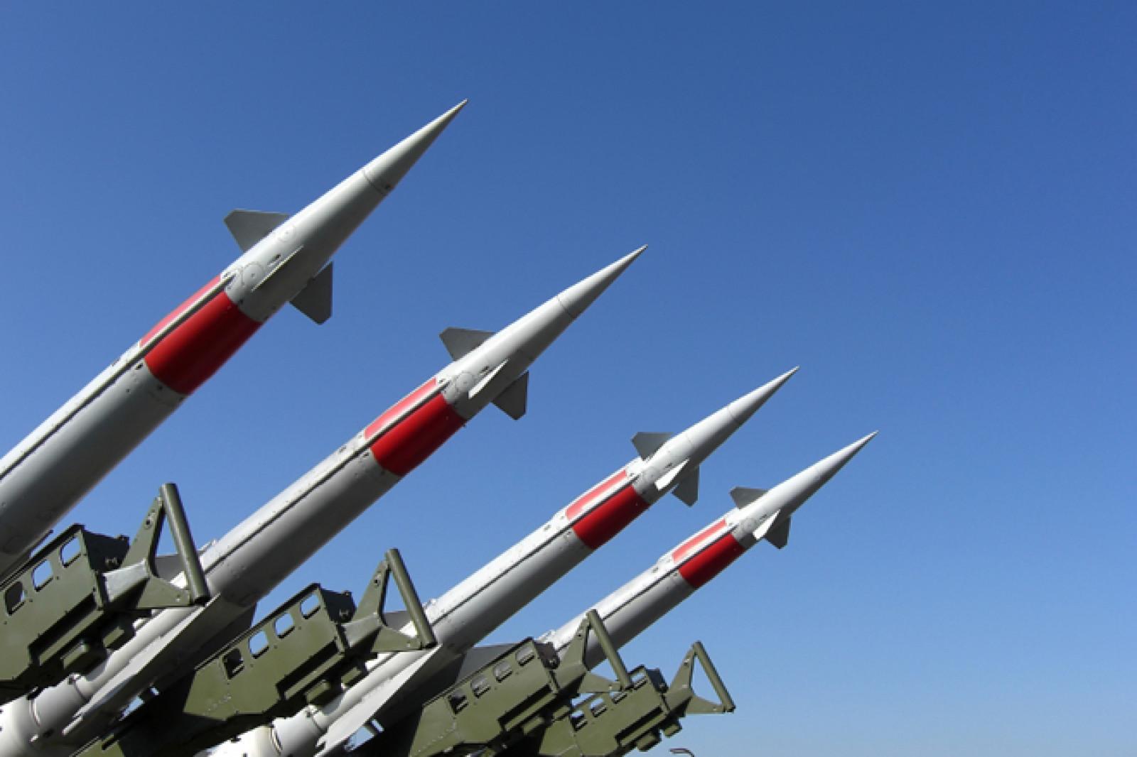 Atacurile cu rachete continua