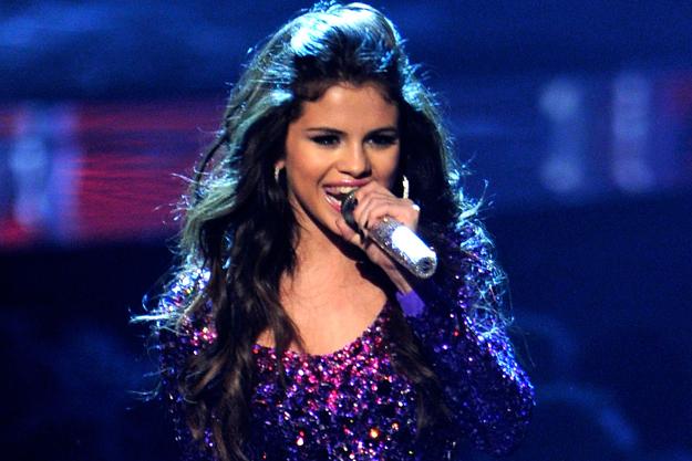 Selena Gomez se intoarce la muzica