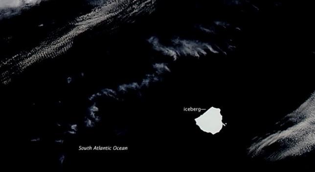 Un iceberg gigant se plimba pe Atlantic
